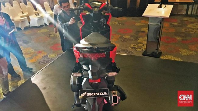 Perbedaan Mesin Honda Vario 150 Baru dan PCX 150 Lokal