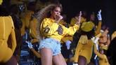 Beyonce semula dijadwalkan tampil pada Coachella 2017. Namun ia membatalkannya lantaran tengah dalam kondisi hamil. Ia pun menebusnya pada tahun ini. (Larry Busacca/Getty Images for Coachella /AFP)