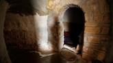 Satu gua tersebut diketahui bisa ditempatihingga delapan keluarga. (REUTERS/Ismail Zitouny)