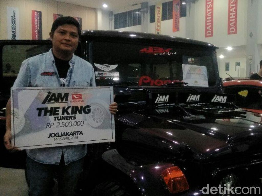 Untuk pemenang di kategori Tuners digondol oleh mobil Toyota FJ40 garapan dari Bengkel ABK Modified (Lombok). Pemilik Toyota FJ40, Kusuma Hadi (38), warga Lombok, mengaku tak menyangka mobilnya mendapatkan penghargaan IAM The King Tuners.