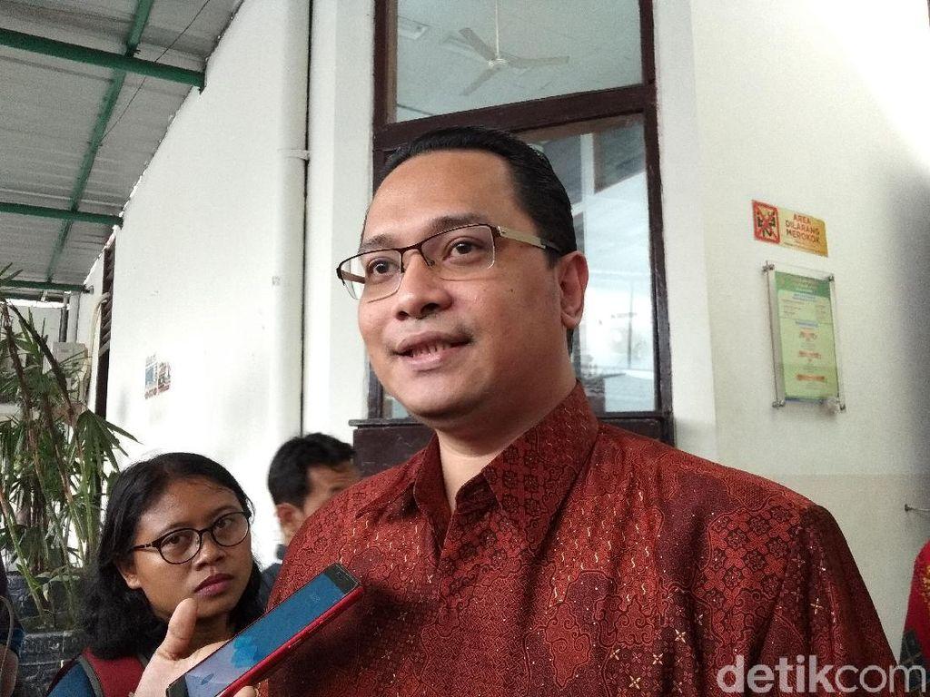 Pelapor Ahmad Dhani, Jack Boyd Lapian juga menghadiri sidang perdana kasus dugaan ujaran kebencian di Pengadilan Negeri (PN) Jakarta Selatan. Jack mengaku ingin memantau jalannya persidangan.(Yulida-detikcom)