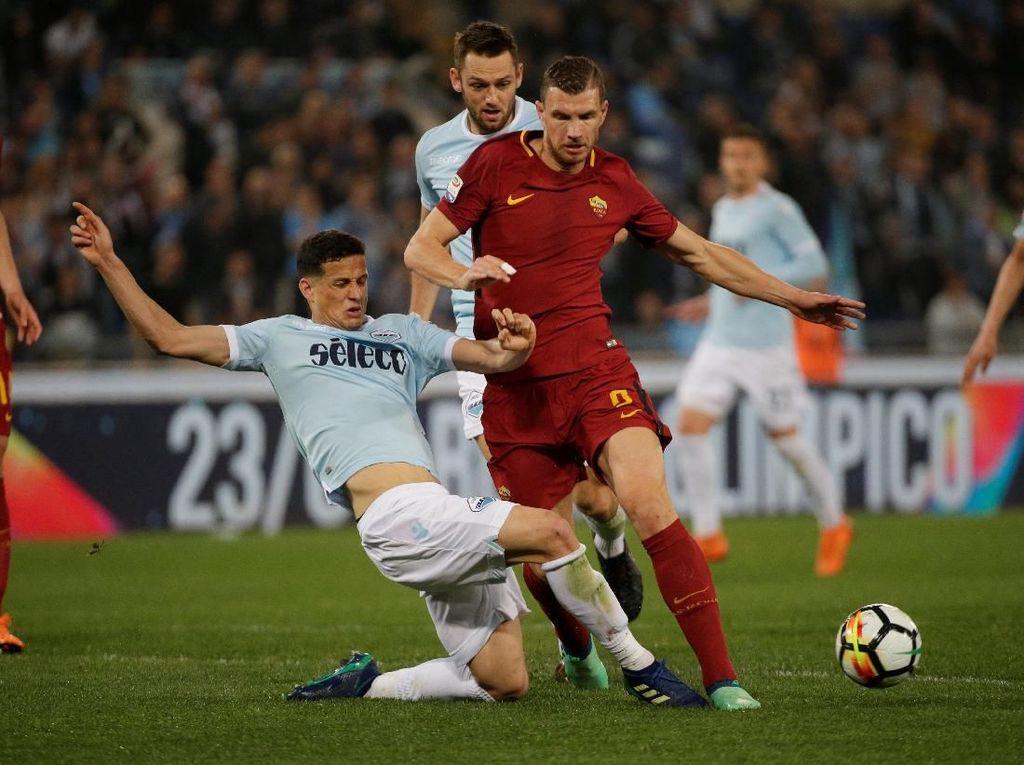 Di laga ini Roma unggul penguasaan bola 56 persen berbanding 44 persen dari Lazio.