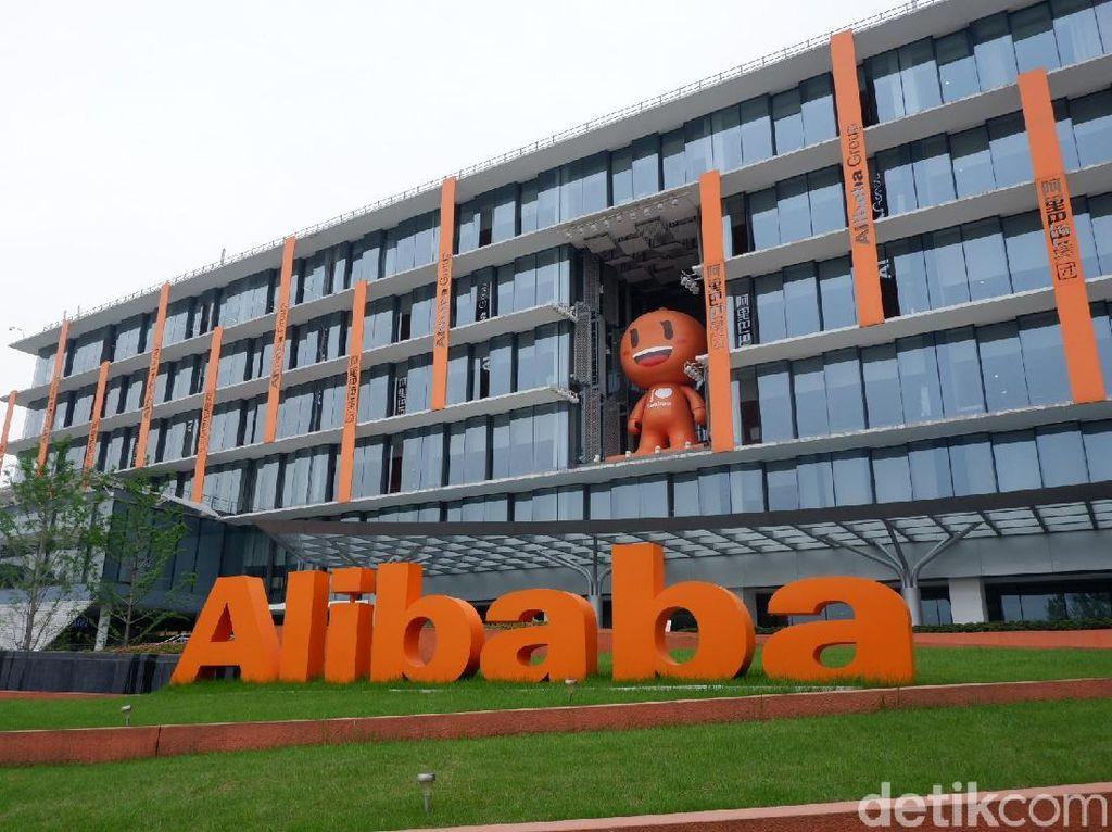 Begitu sampai kita akan langsung disambut tulisan besar Alibaba dan ikon Taobao. (Foto: detikINET/Adi Fida Rahman)