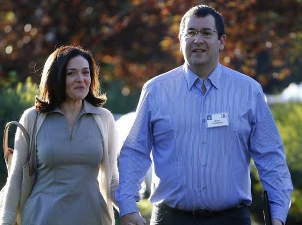 Chief Operating Officer Facebook, Sheryl Sandberg, memang tidak setia istri melainkan suami, yakni Dave Goldberg yang dinikahinya tahun 2004 sampai sang suami meninggal tahun 2015. Foto: istimewa
