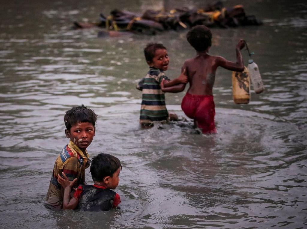 Hasil karya pemenang Pulitzer. Foto: REUTERS/Adnan Abid