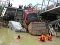 Jembatan Widang Ambruk, Polisi Berlakukan Buka Tutup Jalur