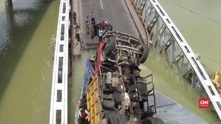VIDEO: Polda Jatim Investigasi Jembatan Widang yang Ambruk