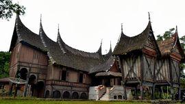 Ziarah Rumah Gadang, Tradisi Khas Dharmasraya Saat Idul Fitri