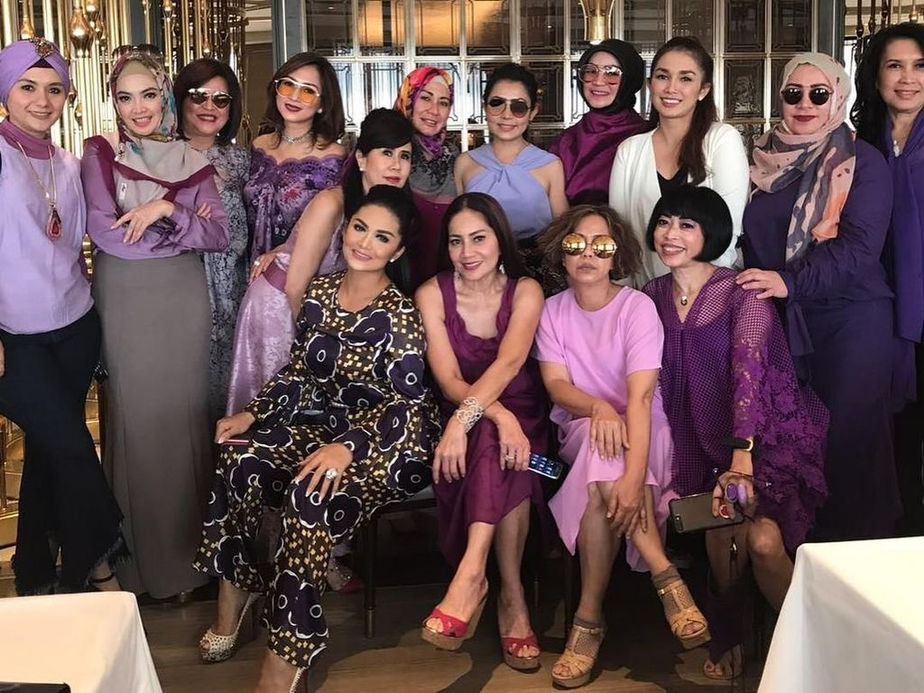 Gaya Glamour Geng Kepompong, Geng Arisan Krisdayanti dan Mayangsari