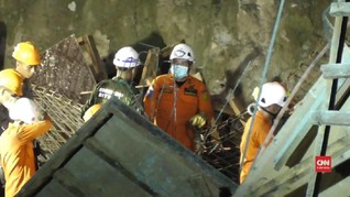 VIDEO: Proses Evakuasi Korban Ambruknya Jembatan Tumaluntung