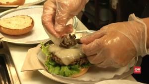 VIDEO: Menu Eksotis Burger Tarantula di Amerika