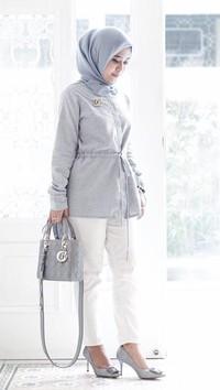 Tips Hijab untuk Si Tubuh Mungil ala Desainer Restu Anggraini