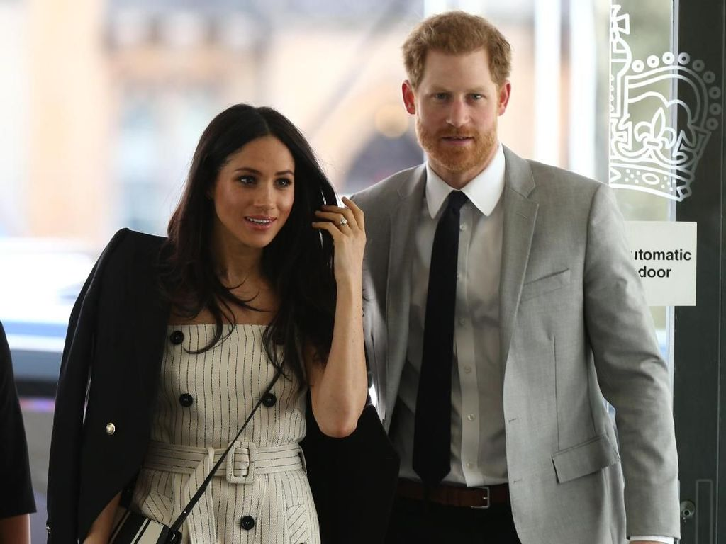 Desainer Baju Pengantin Putri Diana, Desain Gaun Meghan Markle?