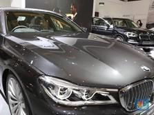 Crazy Rich RI Kebal Corona: BMW & Mercy Laris, Laku Mana?
