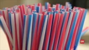 VIDEO: Inggris Larang Penjualan Sedotan Plastik