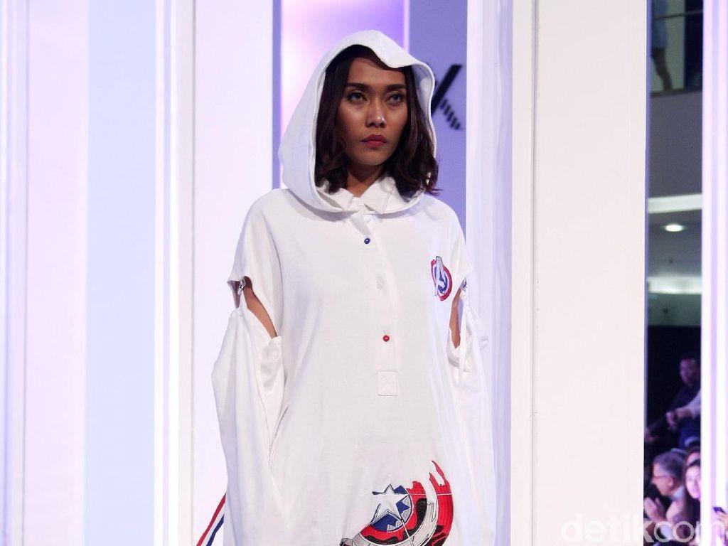 25 Koleksi Busana Karya Desainer Muda yang Terinspirasi Tokoh Marvel