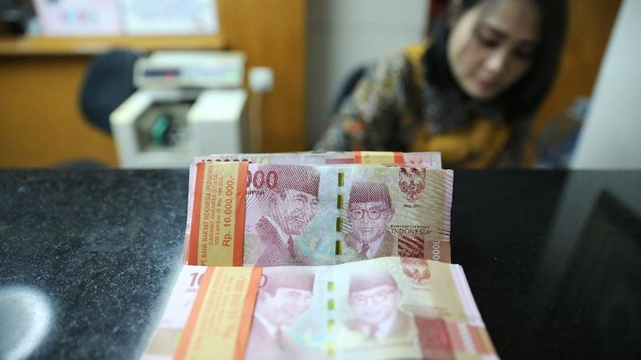 Nilai tukar rupiah hari ini melemah 0,11% dibandingkan posisi penutupan perdagangan hari sebelumnya.