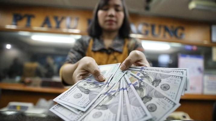 Nilai tukar rupiah terhadap dolar Amerika Serikat (AS) masih melanjutkan pelemahannya.