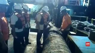 VIDEO: Pipa Jadi Alat Bukti Bocornya Minyak Teluk Balikpapan