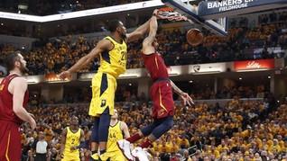 FOTO: Duel Sengit <i>Playoff</i> NBA