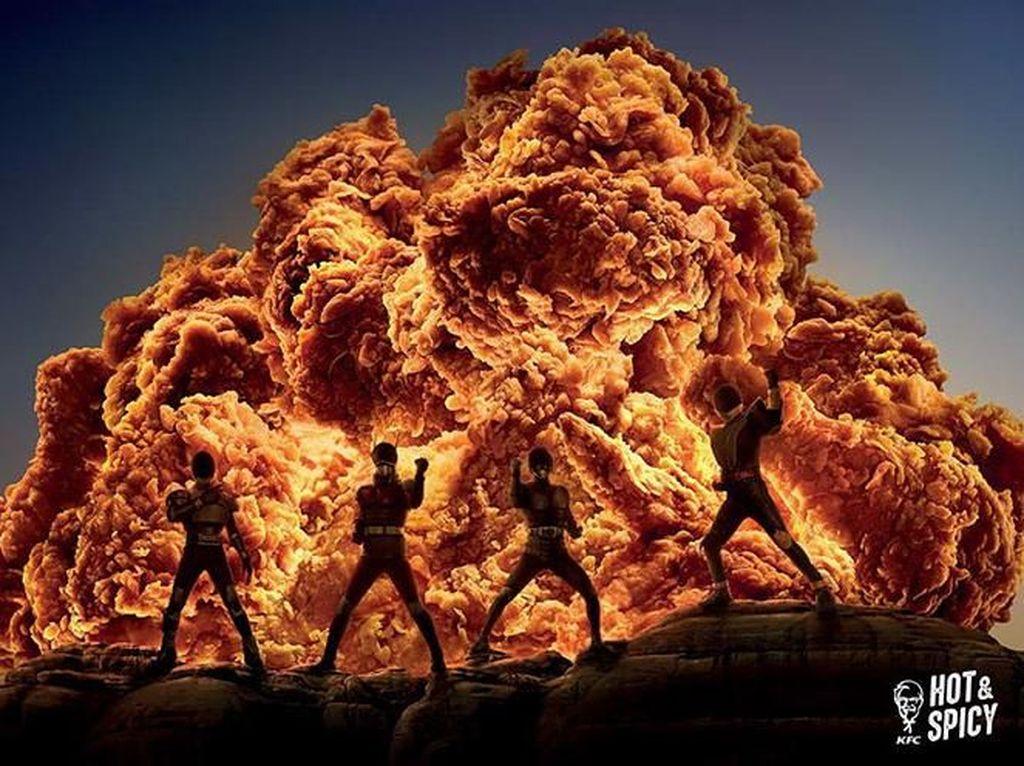 Sekilas memang ayam-ayam goreng tersebut seperti ledakan di film-film. Foto: Twitter @bokoyai