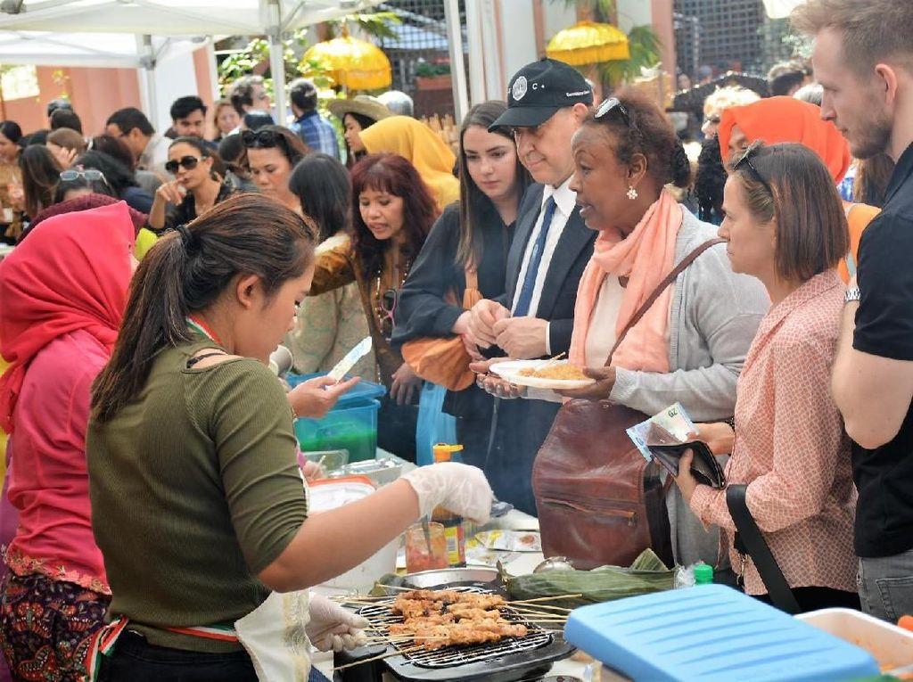 Hari Kartini Diperingati Meriah di Roma Lewat Kampung Jajan Campania