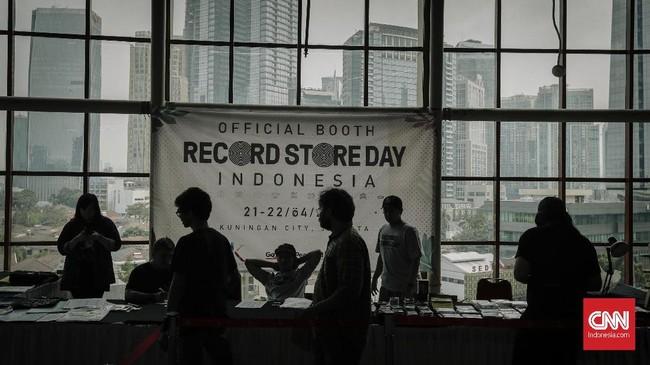 FOTO: Bernostalgia dengan Rekaman Fisik di Record Store Day