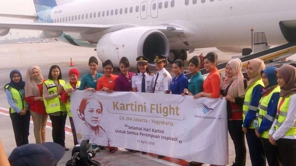 Menyambut Hari Kartini pada 21 April 2018 semua kru pesawat Garuda Indonesia penerbangan rute Jakarta-Jogyakarta merupakan perempuan.