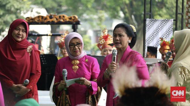 Hari Kartini, Iriana Jokowi Mendadak Jadi 'Wartawan'