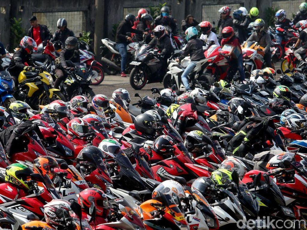 Lautan Honda CBR di Lapangan Parkir Sirkuit Sentul