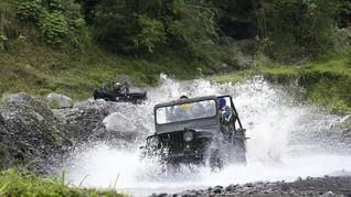 'Duka' Ratusan Jeep Menghormati Kepergian Remaja 18 Tahun