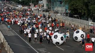 FOTO : Aksi Menggiring Bola Sambut Piala Dunia 2018