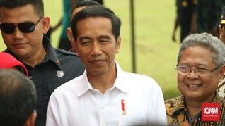 Senyum Jokowi dan Tak Ingin Direcoki Elektabilitas Tinggi