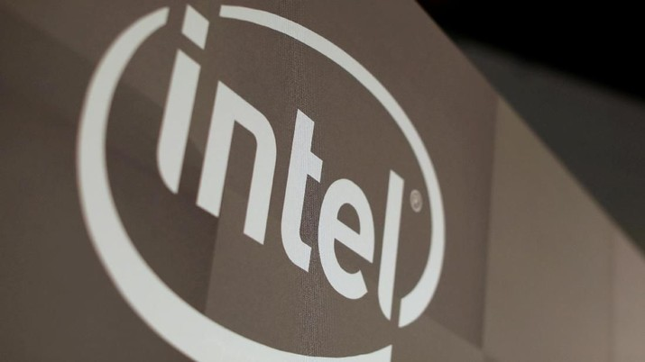 FILE PHOTO: The Intel logo is shown at the E3 2017 Electronic Entertainment Expo in Los Angeles, California, U.S., June 13, 2017.  REUTERS/Mike Blake
