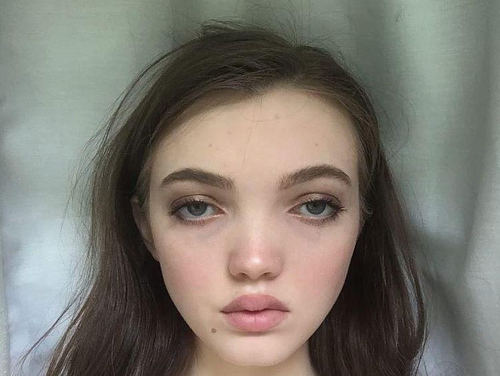 10 Model dengan Wajah Unik yang Buktikan Cantik Itu Beragam