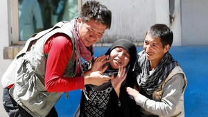 FOTO: Afghanistan Terguncang Akibat Bom di Kantor Pemilu