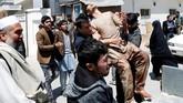 Namun, Kepala Pemerintahan Eksekutif Afghanistan, Abdullah Abdullah, mengatakan bahwa tekad bangsanya untuk mereformasi proses pemilu tetap kuat dan teroris tak akan menang atas keinginan kuat rakyat. (Reuters/Mohammad Ismail)