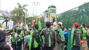 VIDEO: Demo Ojek Online Sampaikan 3 Tuntutan