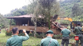 VIDEO: Pembongkaran Vila Ilegal di Puncak