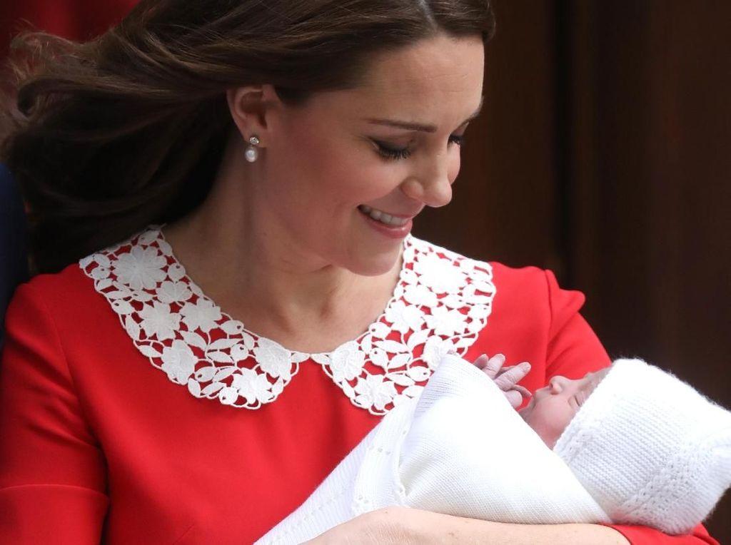 Disorot Dunia, Bayi Baru Kate Middleton Pakai Selimut Rajut Rp 1,3 juta