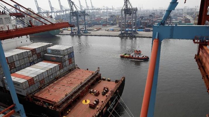 Surplus Perdagangan China dengan AS Melebar Jadi Rp 312 T