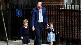 Jenguk Adik, Pangeran George-Charlotte Kompak Berbaju Biru