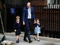 Putri Charlotte Pakai Baju 'Lungsuran' dari Pangeran George