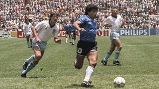 Gol Tangan Tuhan dan 'Gol Abad Ini' Maradona Berusia 33 Tahun