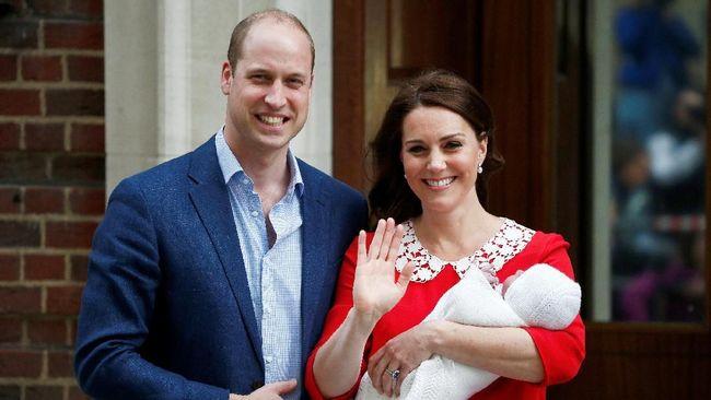 'Arti' Gaun Merah Kate Middleton PascaMelahirkan Anak Ketiga