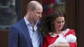 Kate Middleton melahirkan di St. Mary's Hospital, London Barat, tempat yang sama ketika ia melahirkan Pangeran George dan Putri Charlotte. (REUTERS/Hannah Mckay)