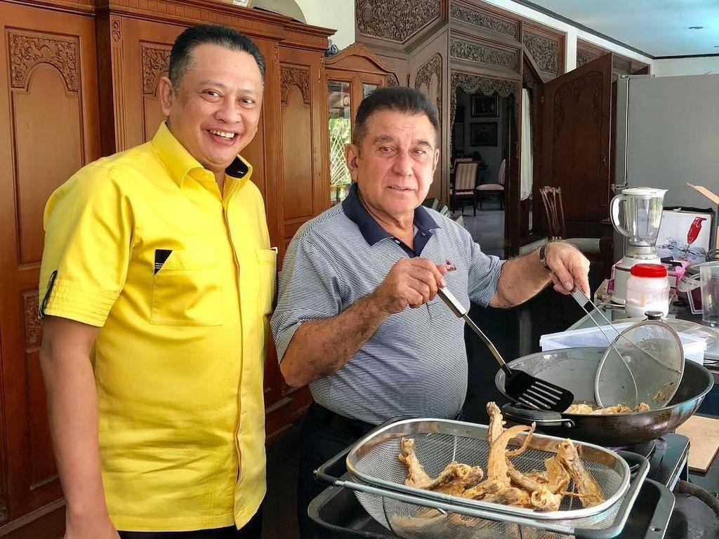 Koleksi Mobil Mewah, Begini 10 Gaya Kulineran Bambang Soesatyo