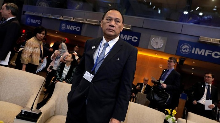 Indonesia's Central Bank Governor Agus Martowardojo attends IMFC plenary during the IMF/World Bank spring meeting in Washington, U.S., April 21, 2018. REUTERS/Yuri Gripas