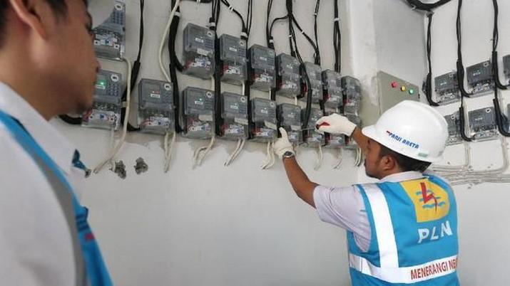 PLN resmi turunkan tarif listrik untuk 900 VA per hari ini.