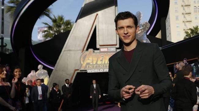 Tom Holland yang sukses membawakan karakter Spider-Man muda, punya penggemarnya sendiri. Meski baru terlibat di tiga film Marvel, ia sudah identik dengan Peter Parker. (REUTERS/Mario Anzuoni)